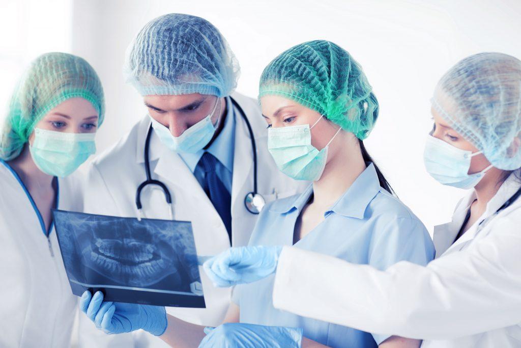 Chirurgia-Denti.jpg